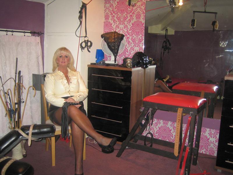 Mature mistress di manchester uk